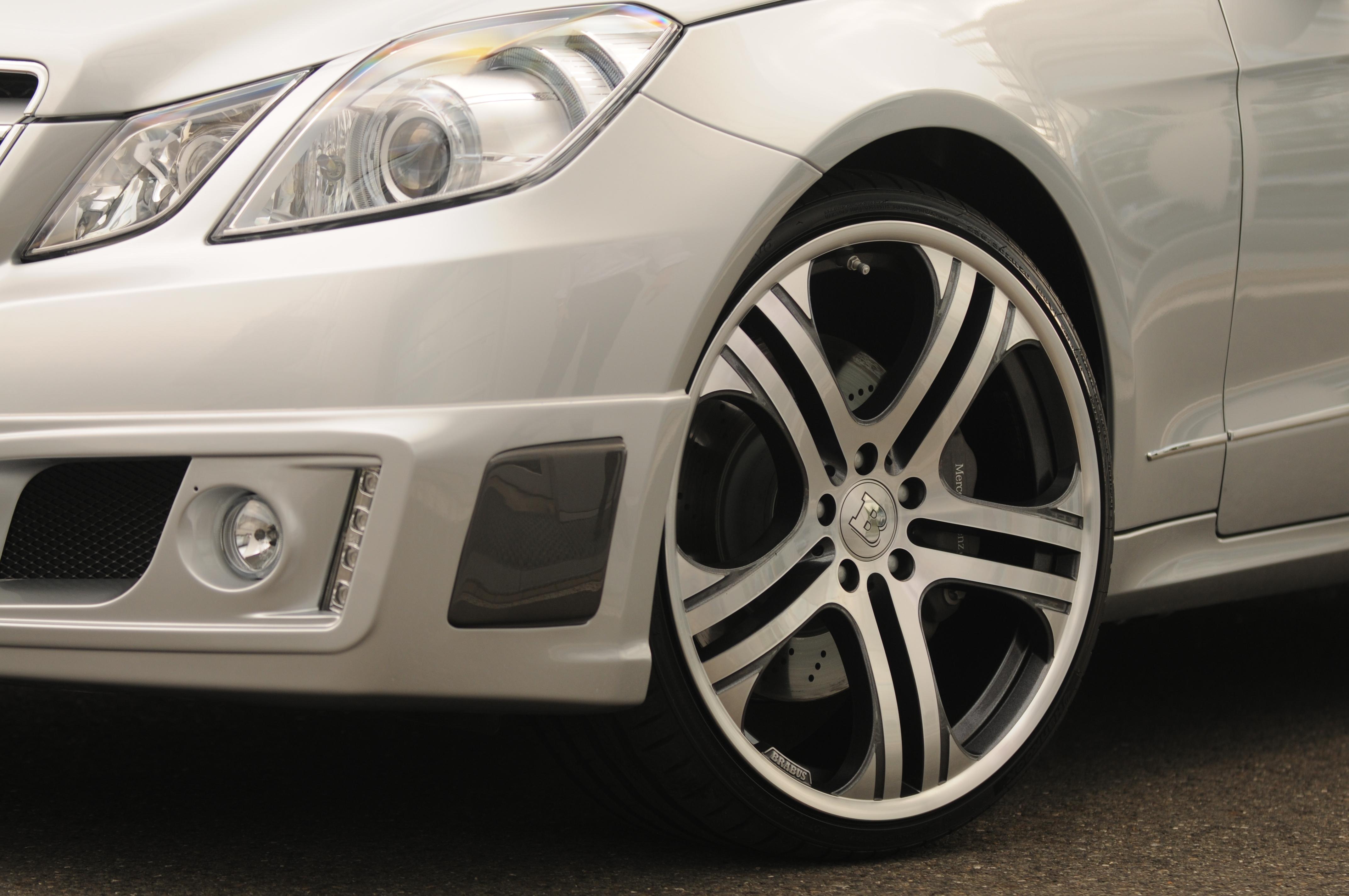 Mercedes-b09aa287.jpg