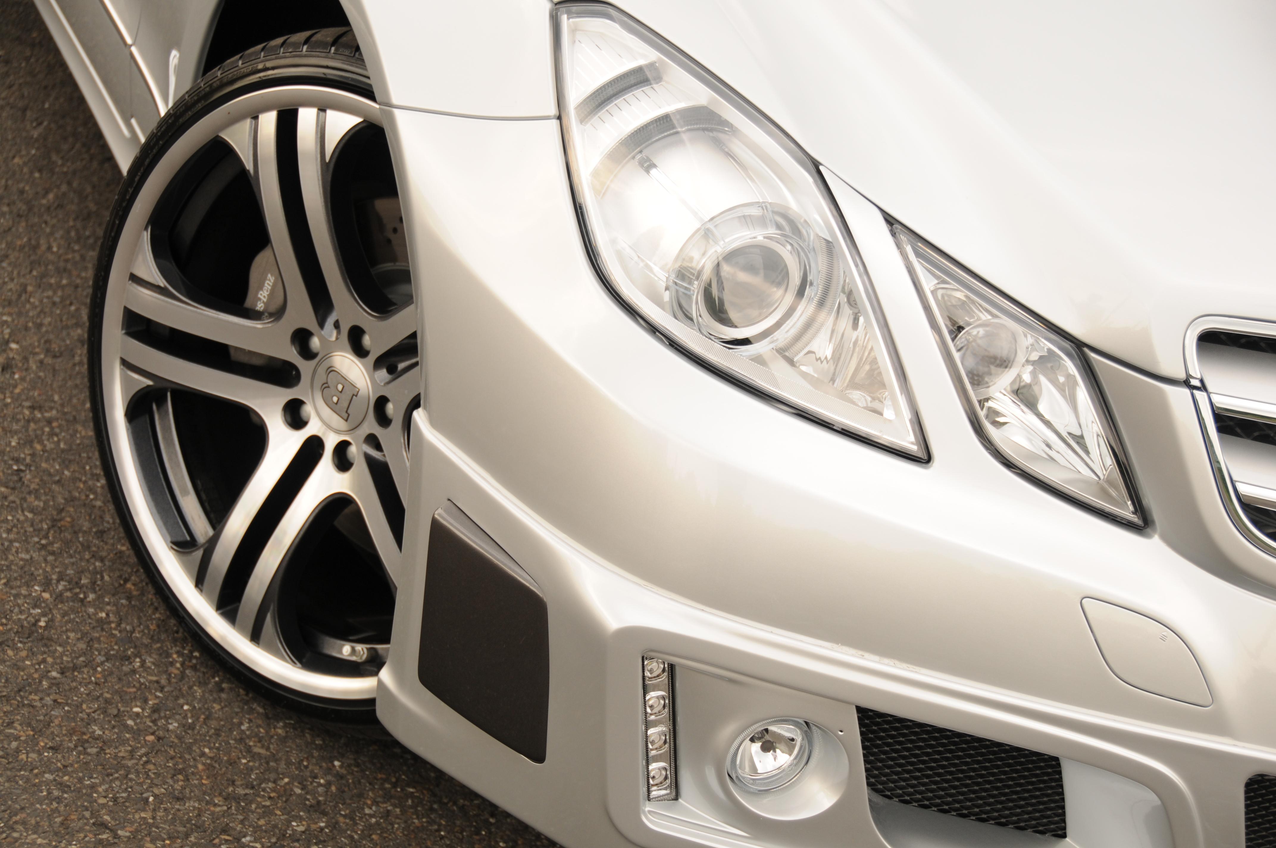 Mercedes-b09aa288.jpg